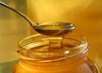 Using Honey in Cooking and Baking: Substituting a Natural Sweetener for Sugar in Recipes