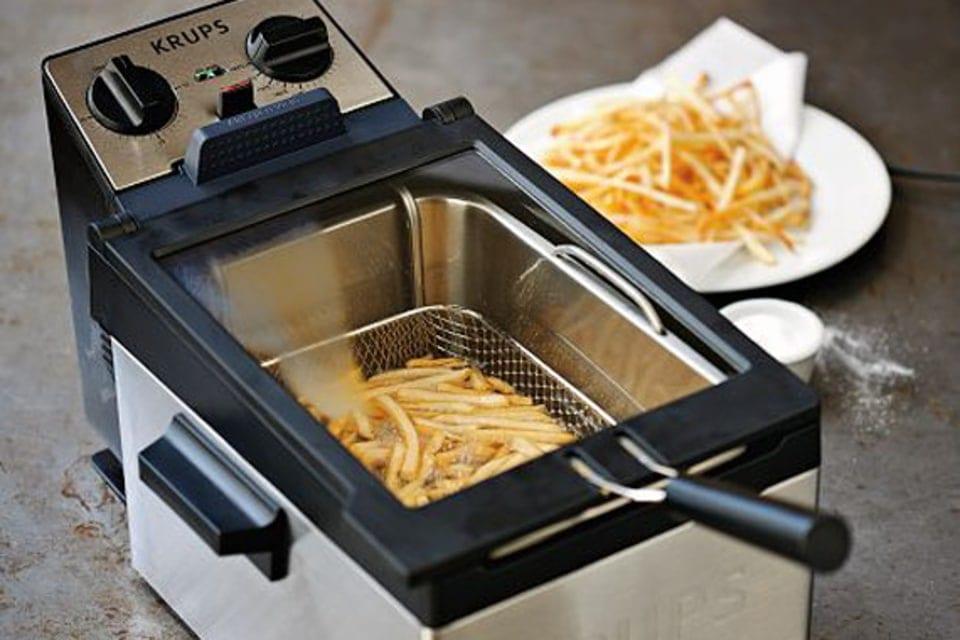 Cleaning Deep Fryer