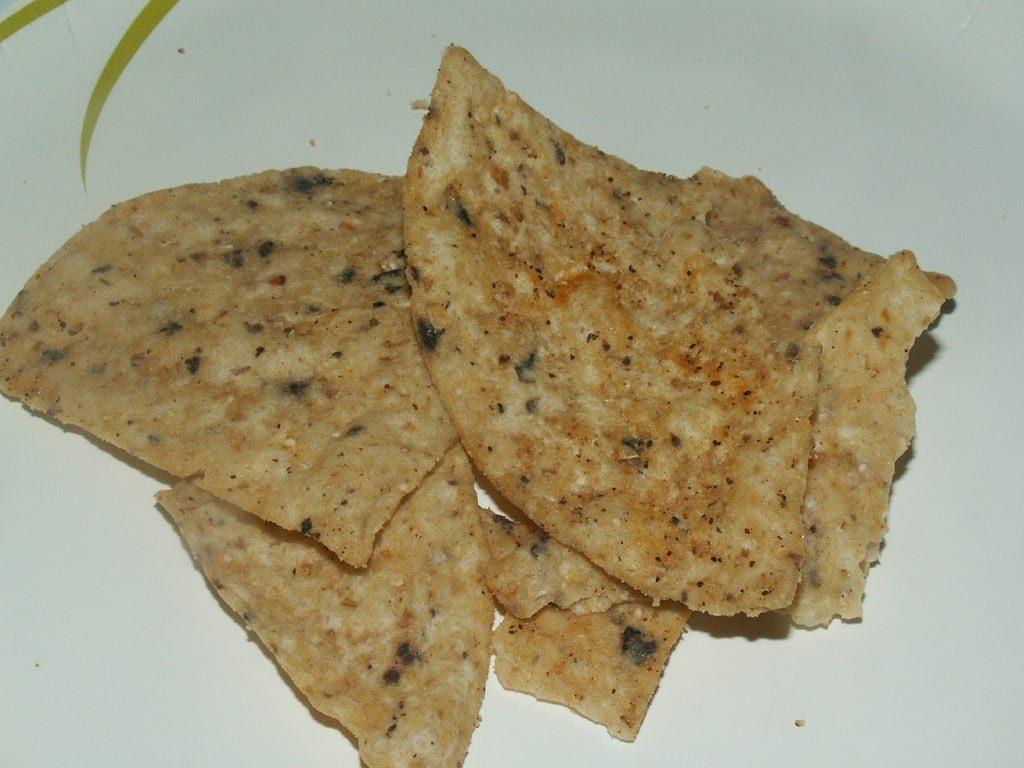 Tostitos Artisan Recipes Roasted Garlic and Black Bean Tortilla Chips