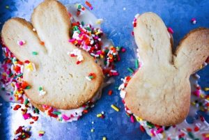 Easter Bunny Ice Cream Sandwiches