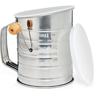 5 Best Flour Sifters for your Kitchen