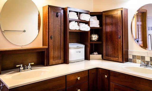 bathroom, sinks, mirrors