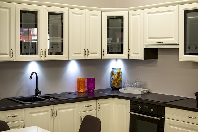 How to Choose The Best Under Cabinet Lighting for Your Kitchen